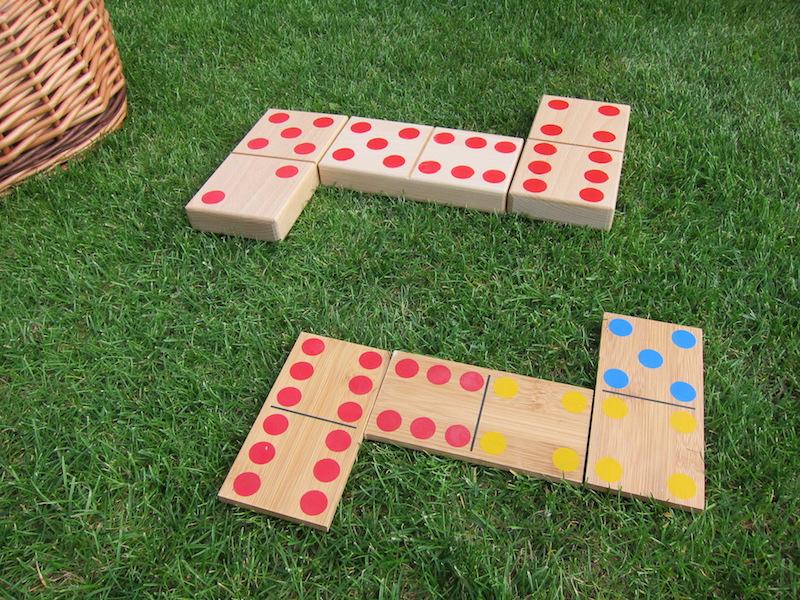 Venkovní hra domino